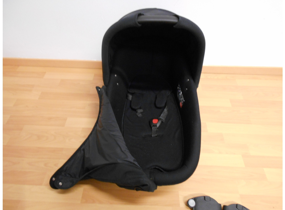 nacelle quinny safety carrycot quinny poussettes et. Black Bedroom Furniture Sets. Home Design Ideas